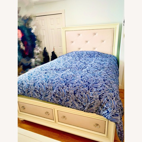 Used Huffman Koos Furniture Queen Bed Frame w/ 2 Drawers for sale on AptDeco
