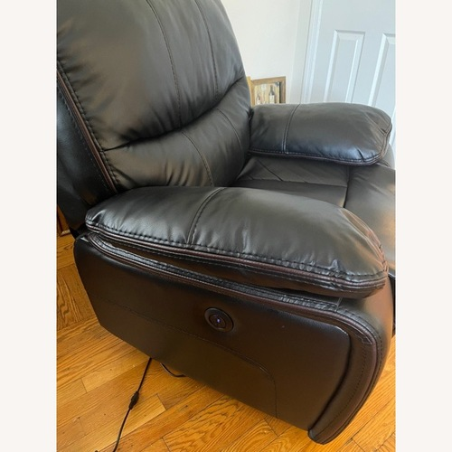 Used Black Recliner (powered) for sale on AptDeco