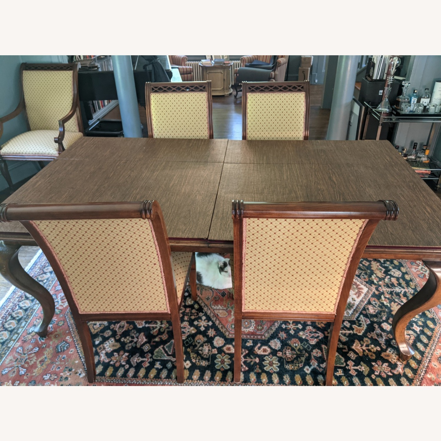 Queen Anne-style Table with Leaves and Table Pad - image-1