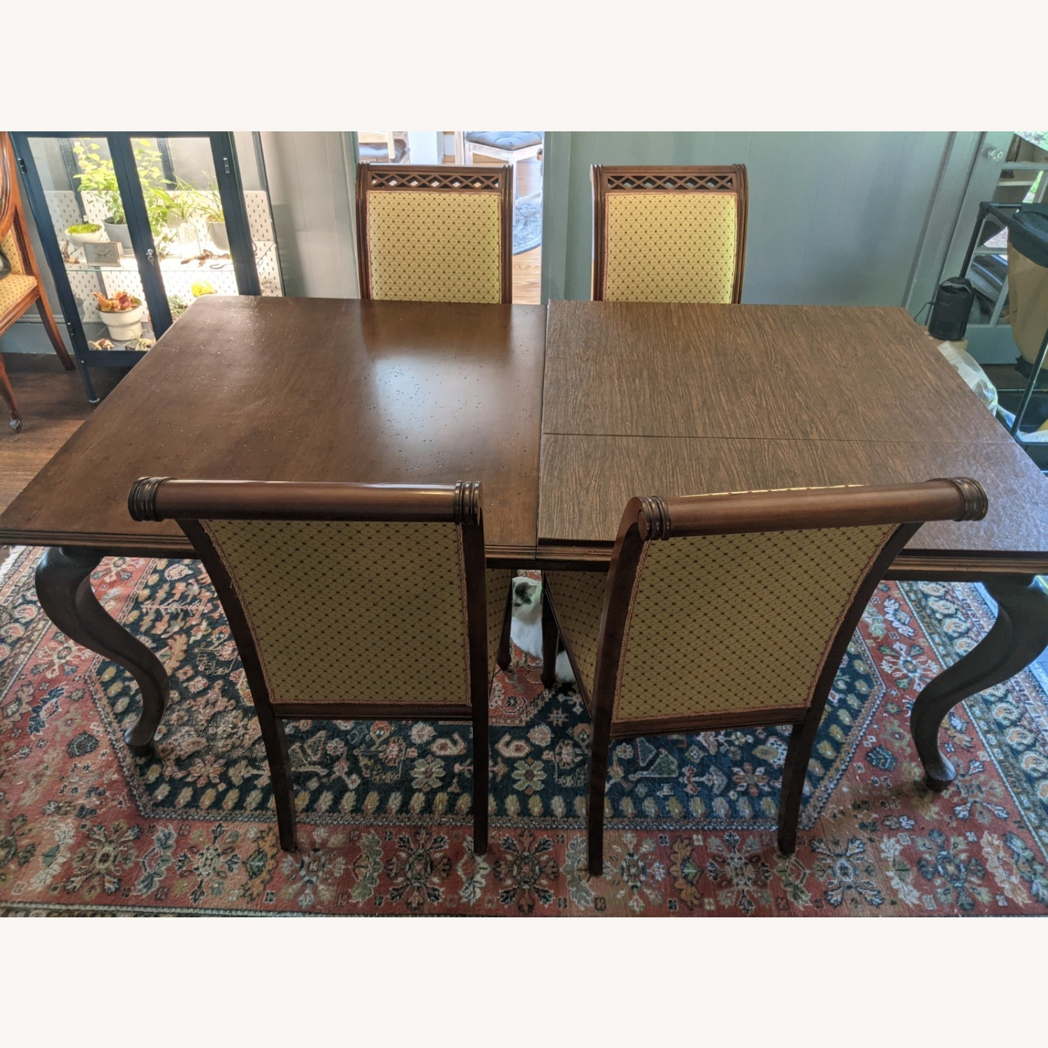 Queen Anne-style Table with Leaves and Table Pad - image-5