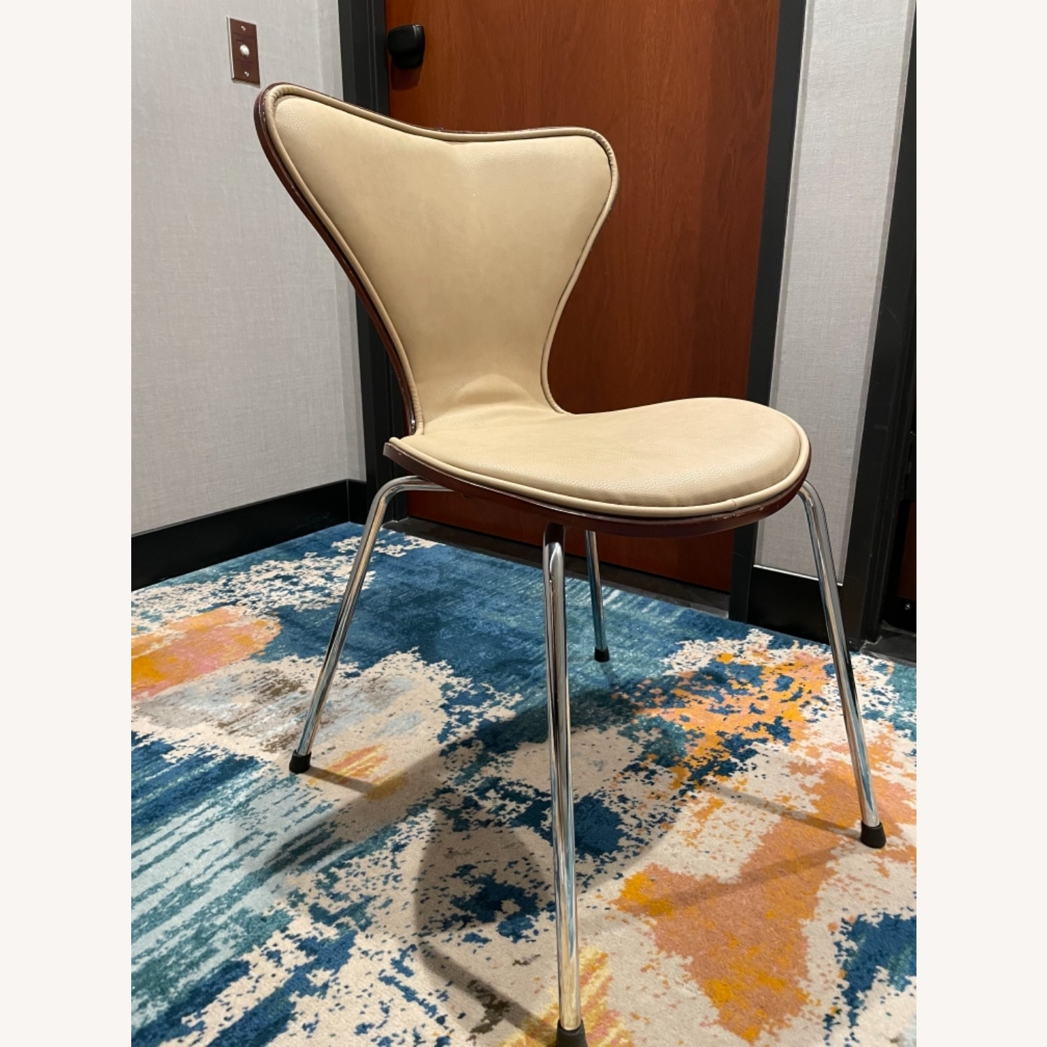 Chairs - image-2