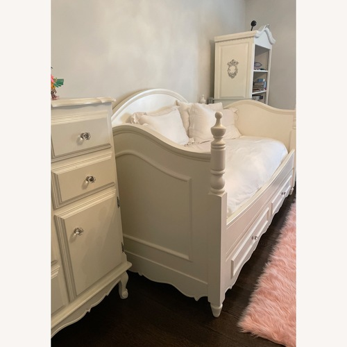 Used Bloomingdale's Trundle Bed for sale on AptDeco