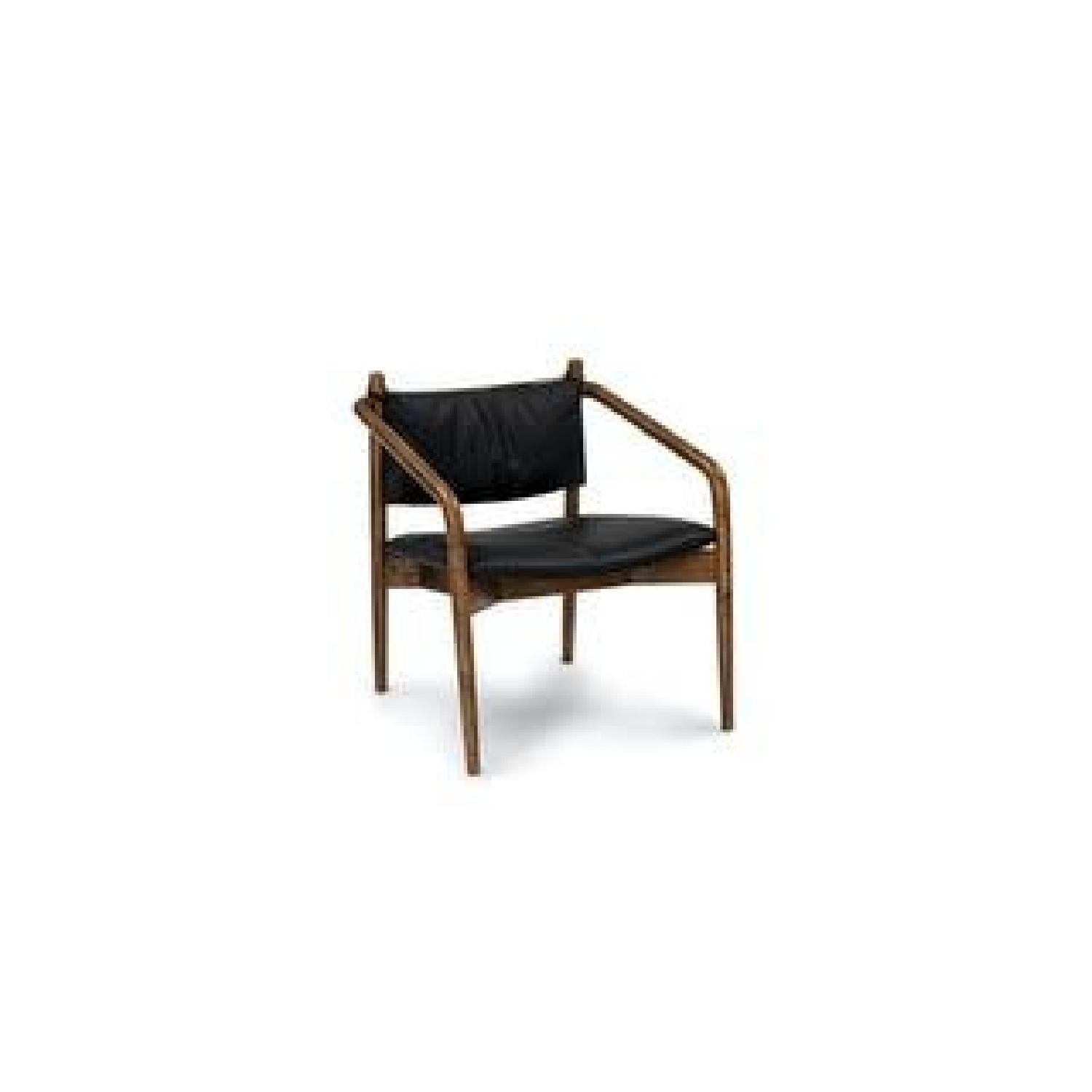Article Chairs - image-0