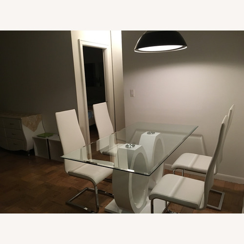 Used Modern Style Dining Table for sale on AptDeco