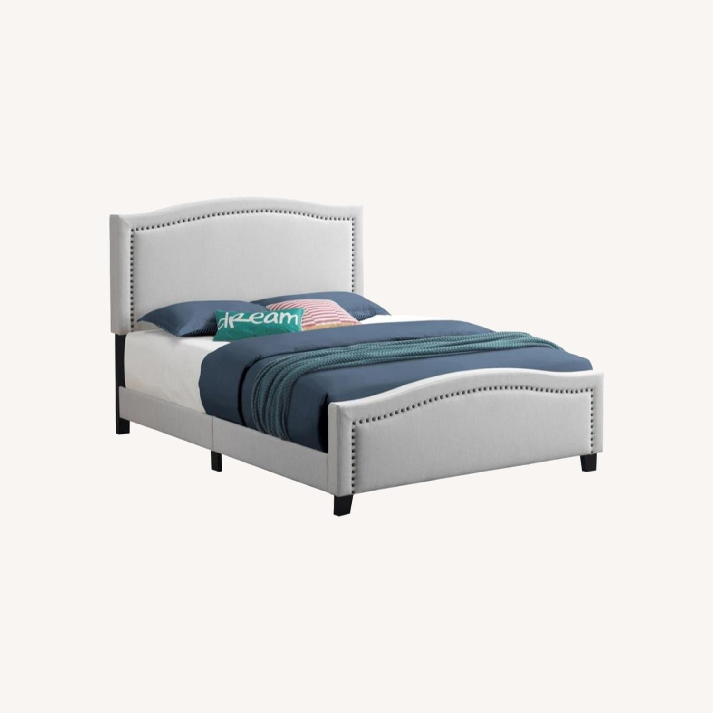 Queen Bed In Linen-Like Beige Fabric Upholstery - image-4