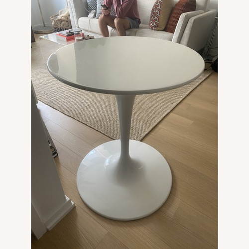 """Used 23.5"""" White Tulip Table for sale on AptDeco"""