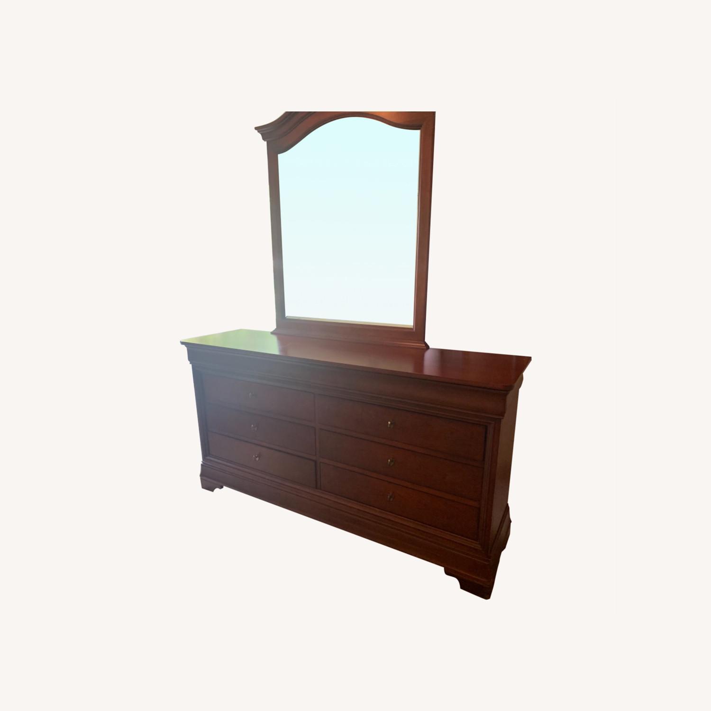 Thomasville Dresser & Mirror - image-0