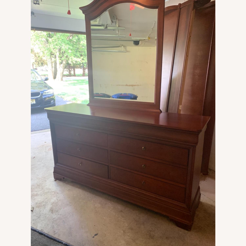 Thomasville Dresser & Mirror - image-1