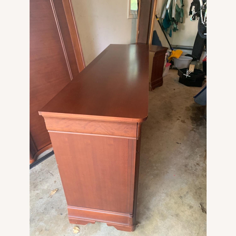 Thomasville Dresser & Mirror - image-5