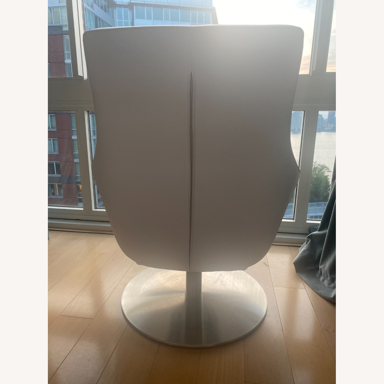 Lazzoni White Leather Chair - image-4