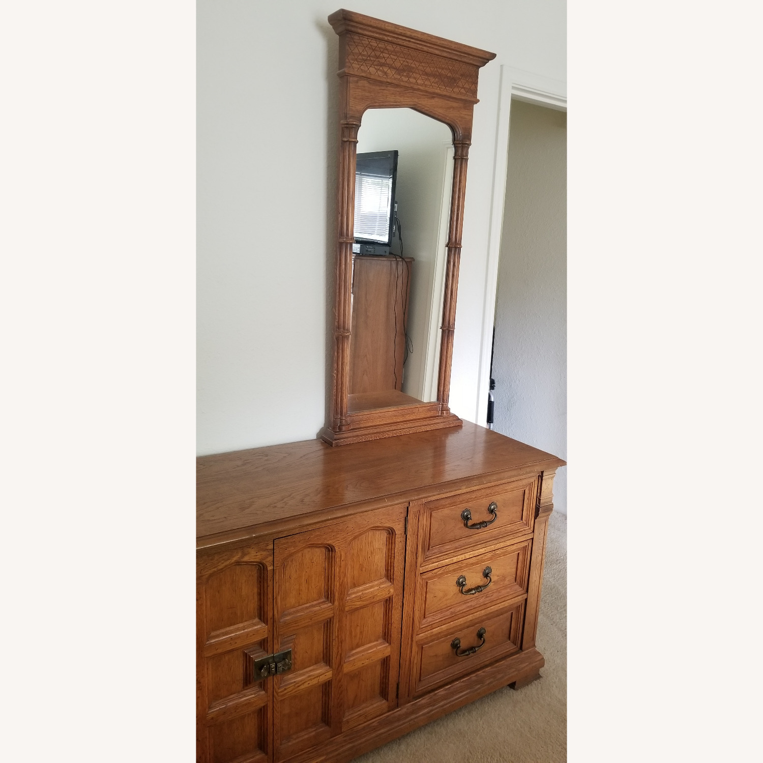 Vintage Drexel Dresser with two Large Mirrors - image-2