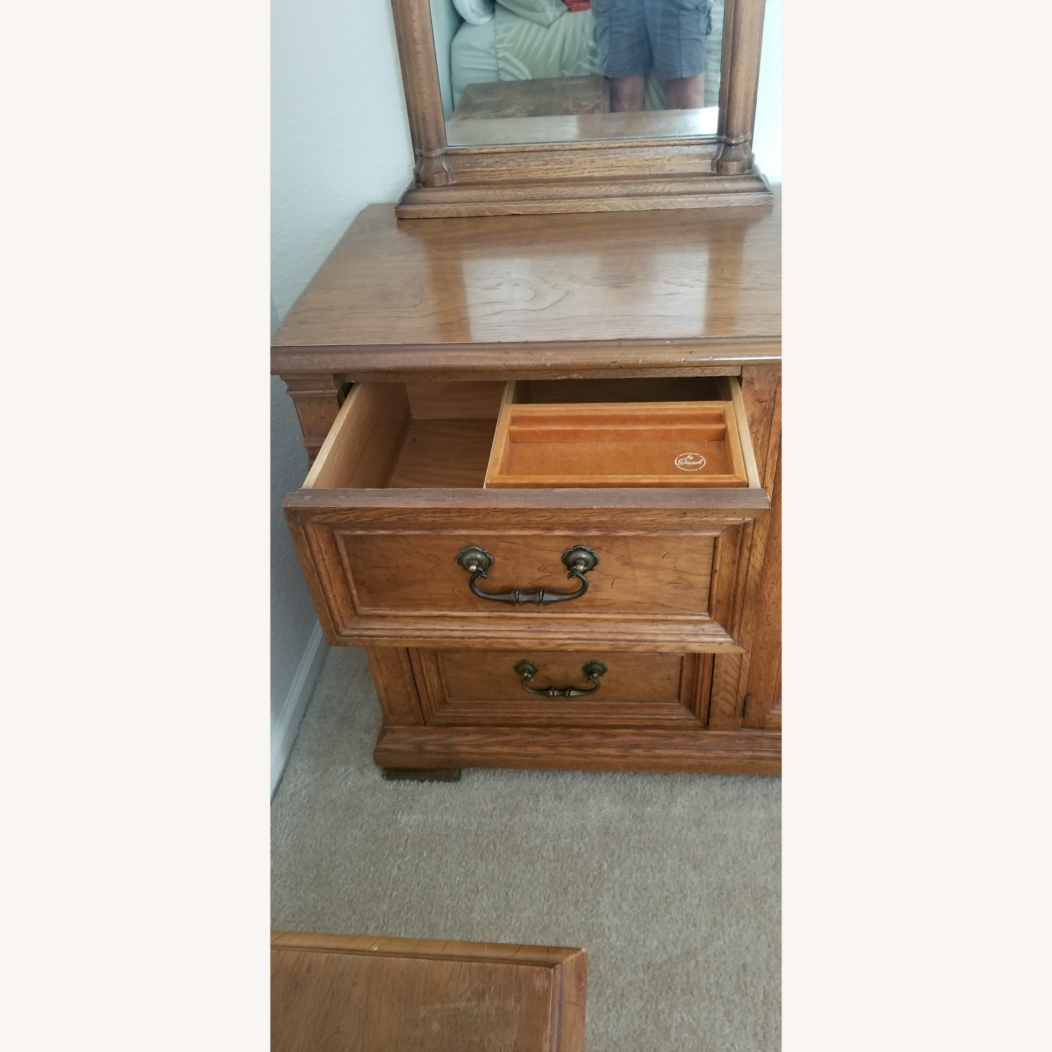 Vintage Drexel Dresser with two Large Mirrors - image-4