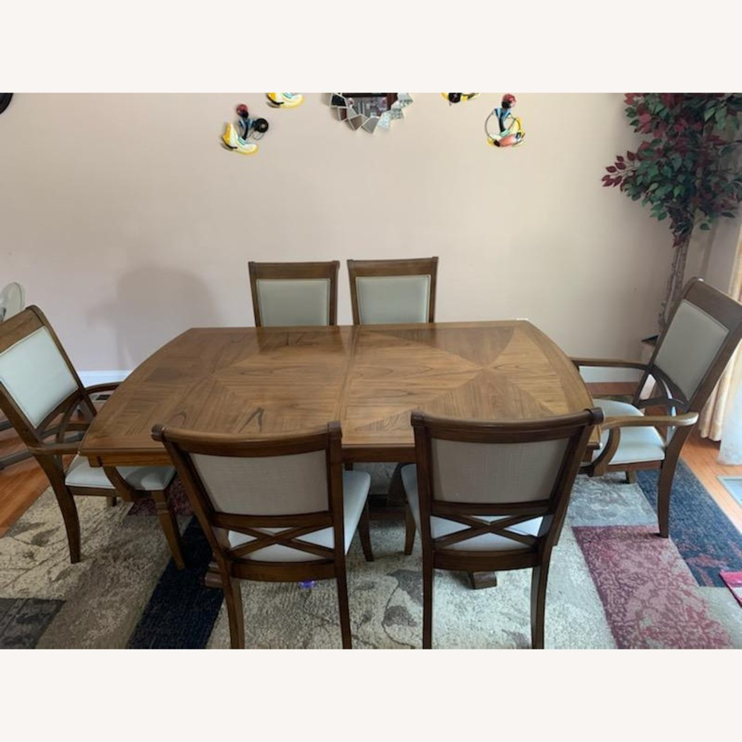 Raymour & Flanigan Dining Table set with 6 chairs - image-5