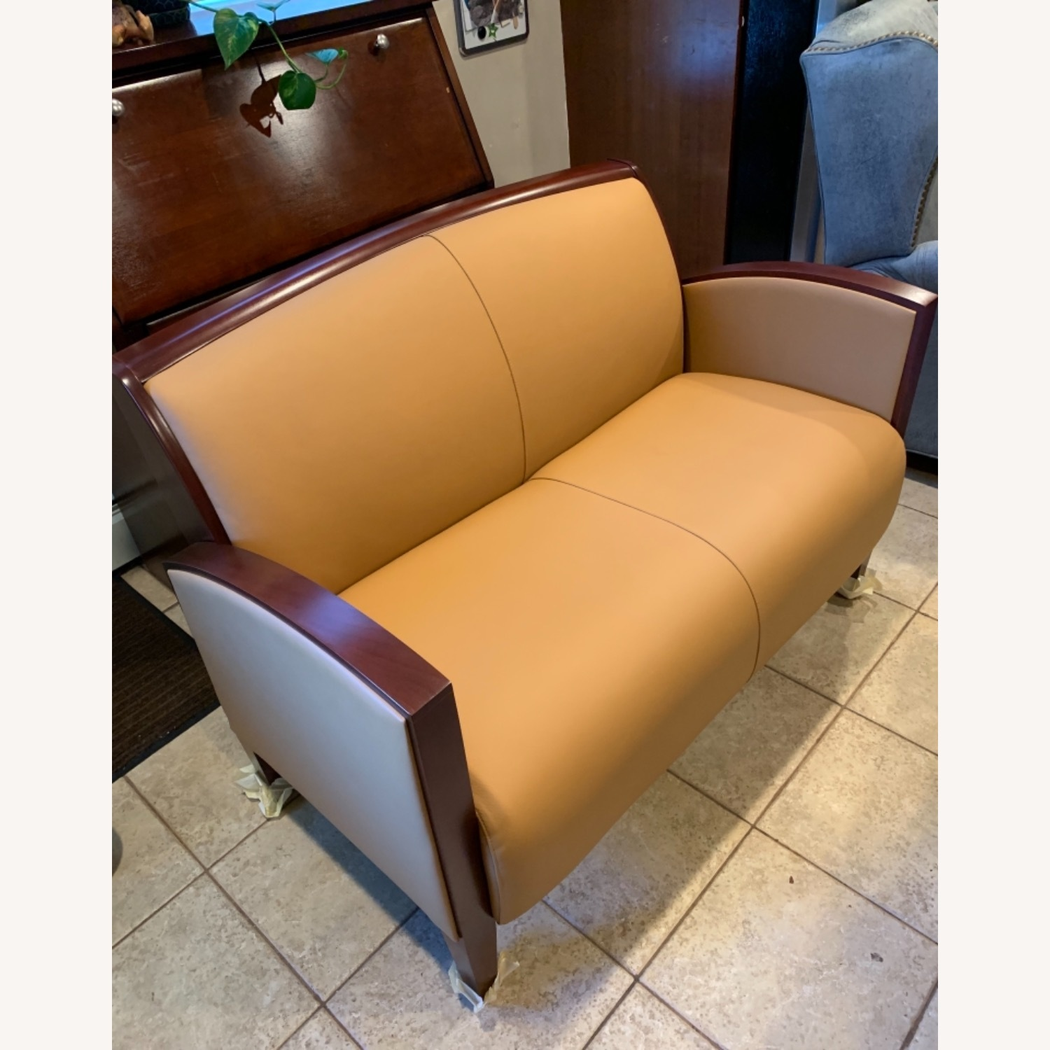 National Office Eloquence Leather Lounge Chair - image-2