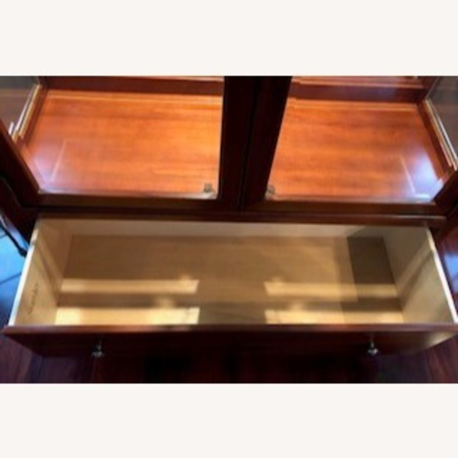 Stanley American View Curio Cabinet - image-4