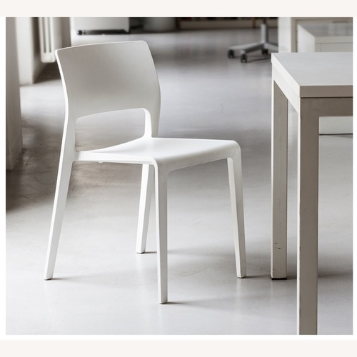 Used Arper Juno Chairs (set of 4) White for sale on AptDeco
