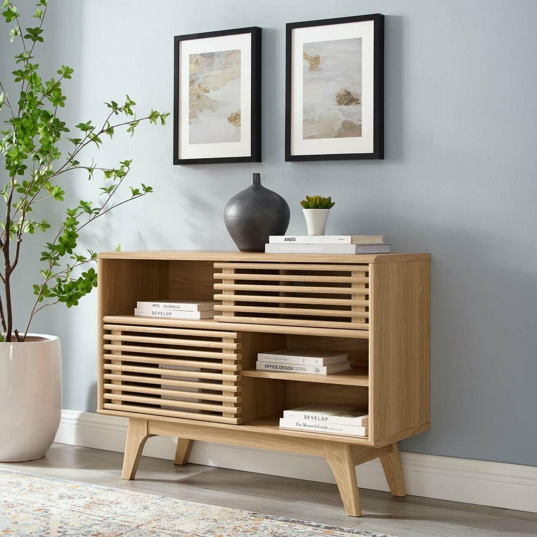 Display Stand In Oak Finish W/ Adjustable Shelf - image-7