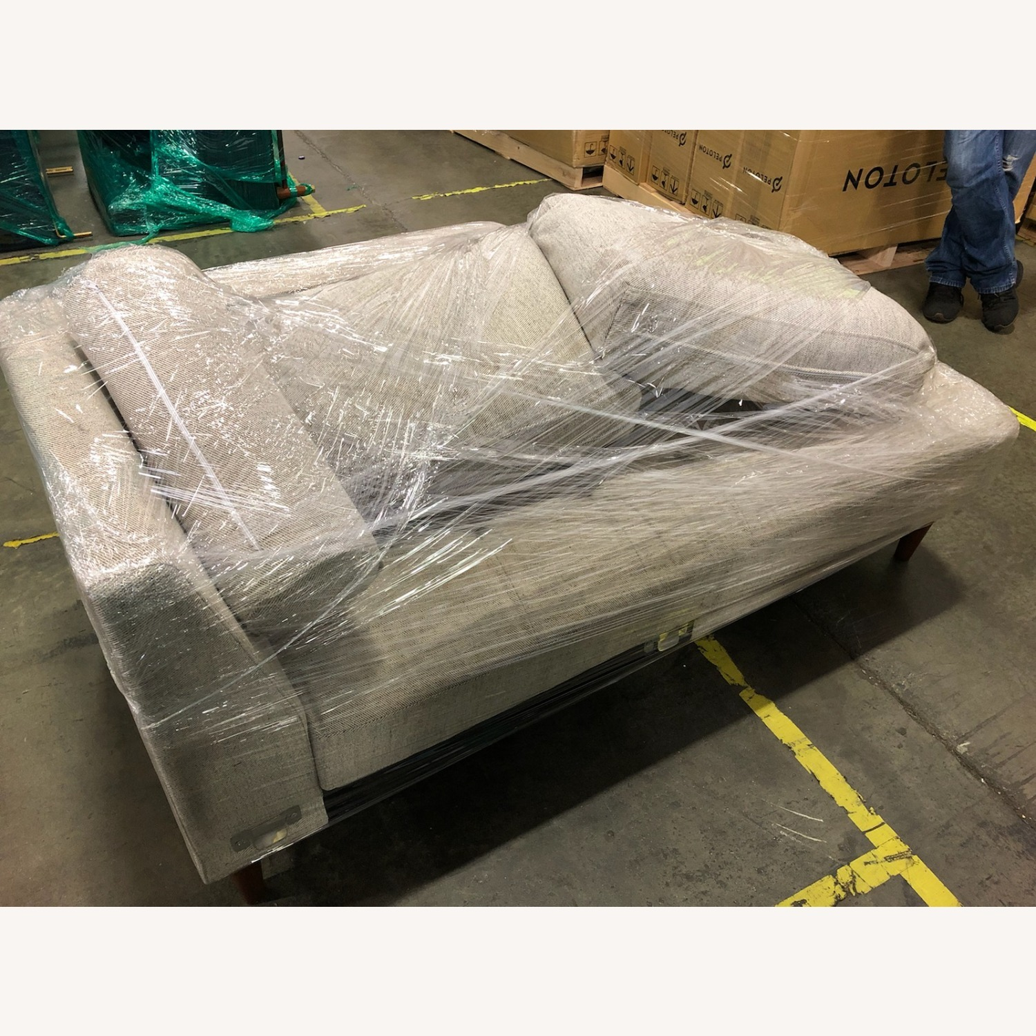 Oliver Space Breuer - Right Chaise - image-3