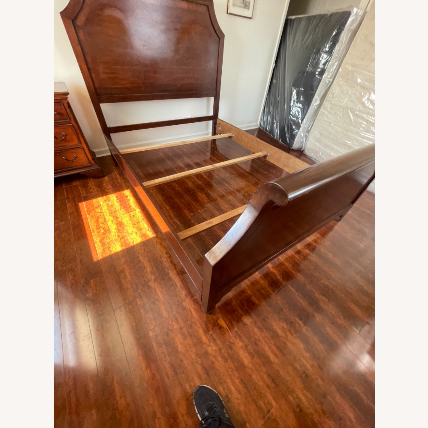 Sold Wood Inlaid Queen Size Bed - image-5