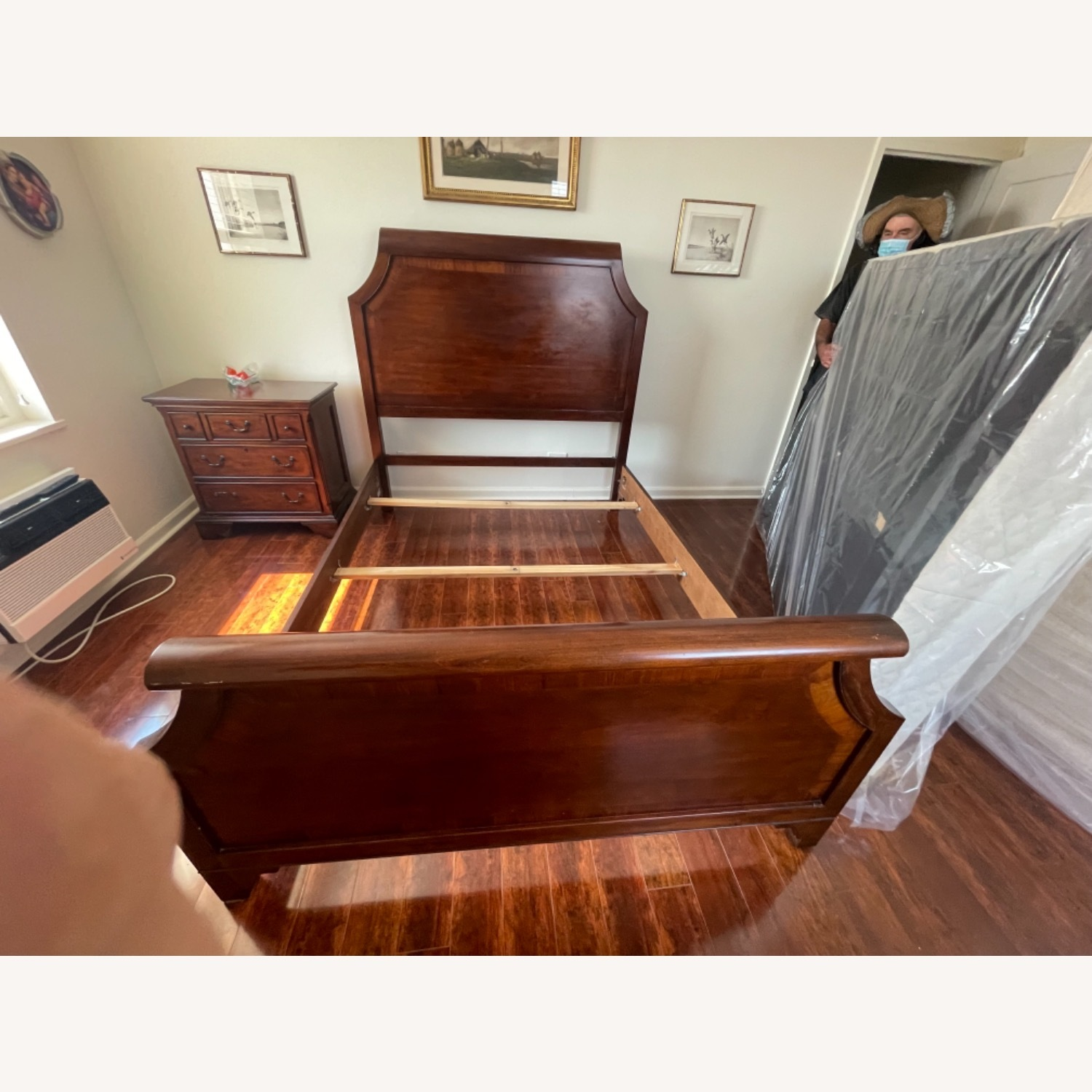 Sold Wood Inlaid Queen Size Bed - image-4