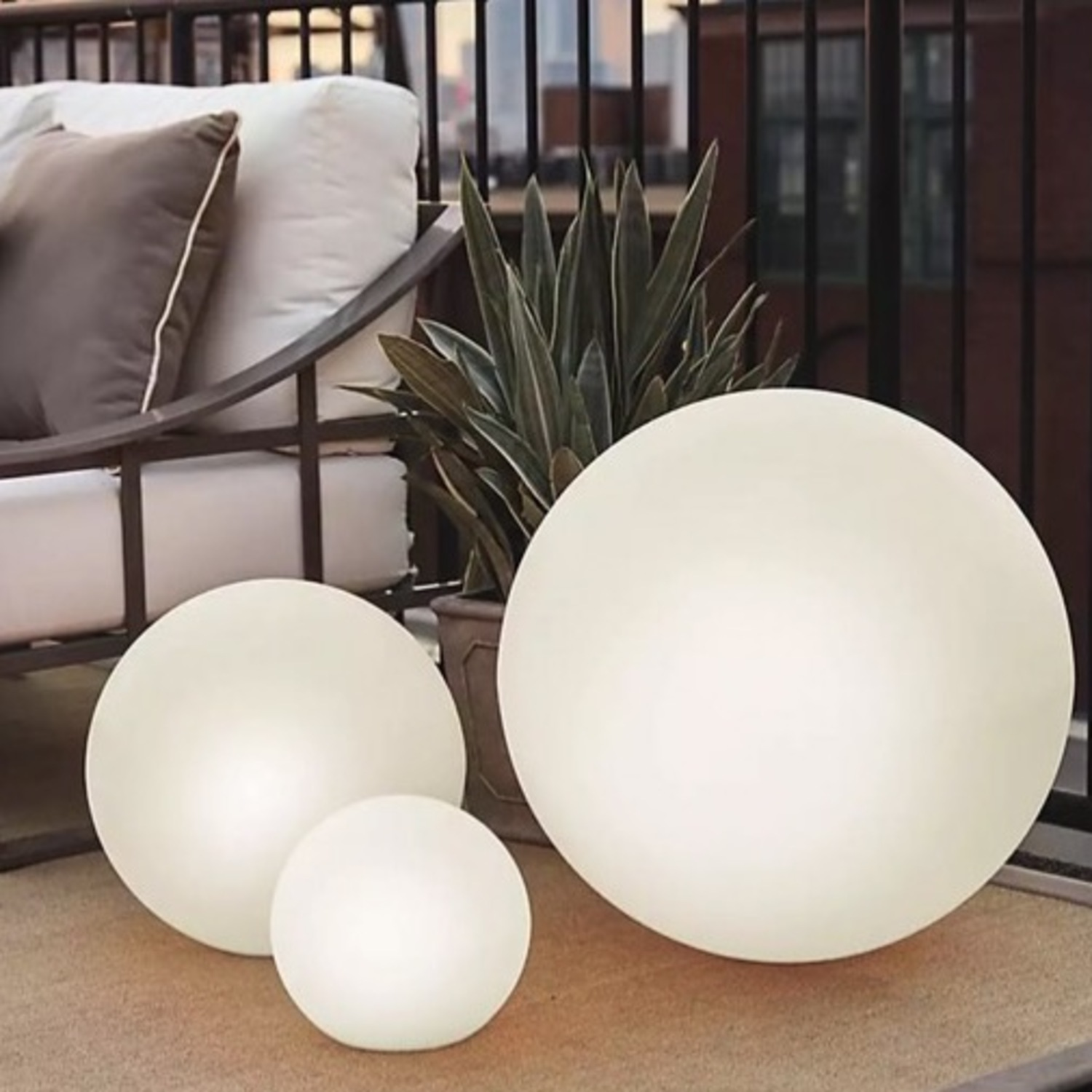 Balled Designs small LED Outdoor Light - image-2
