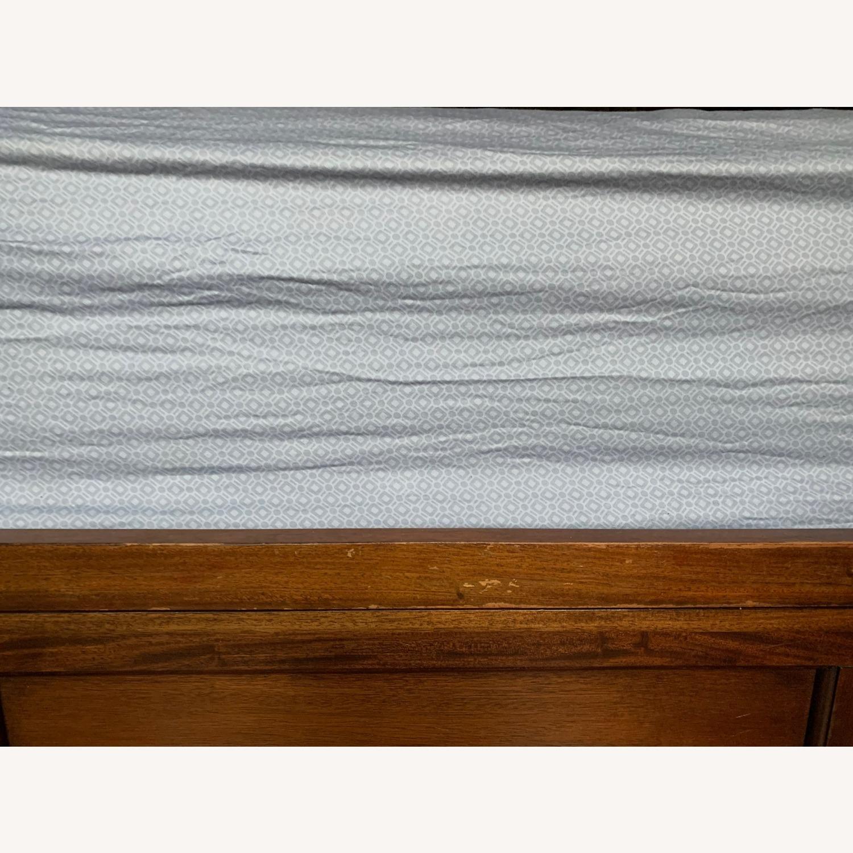Raymour & Flanigan Westlake Storage Platform Bed - image-4