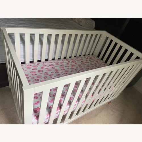 Used Child Craft Crib for sale on AptDeco