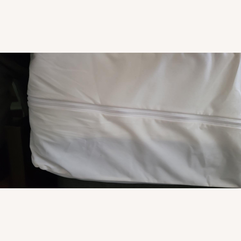 Bob's Discount Furniture Full Bed - image-3