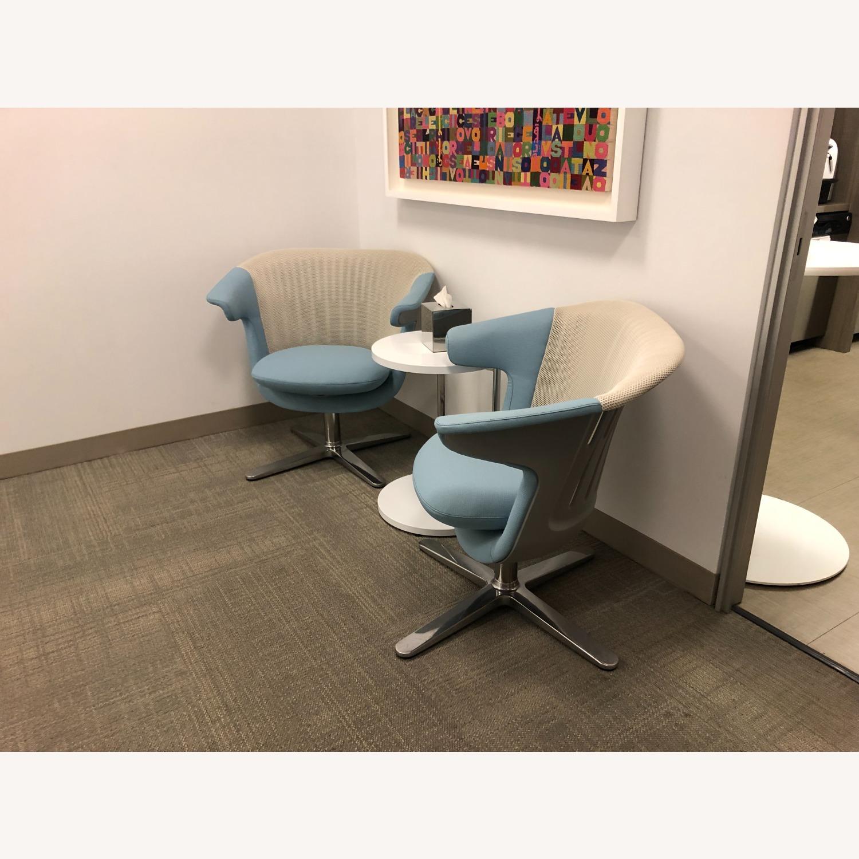 Steelcase 2 i2i Chairs - image-1