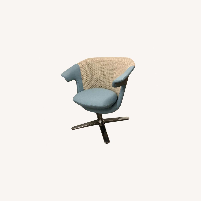 Steelcase 2 i2i Chairs - image-0