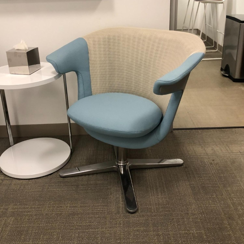 Steelcase 2 i2i Chairs - image-3