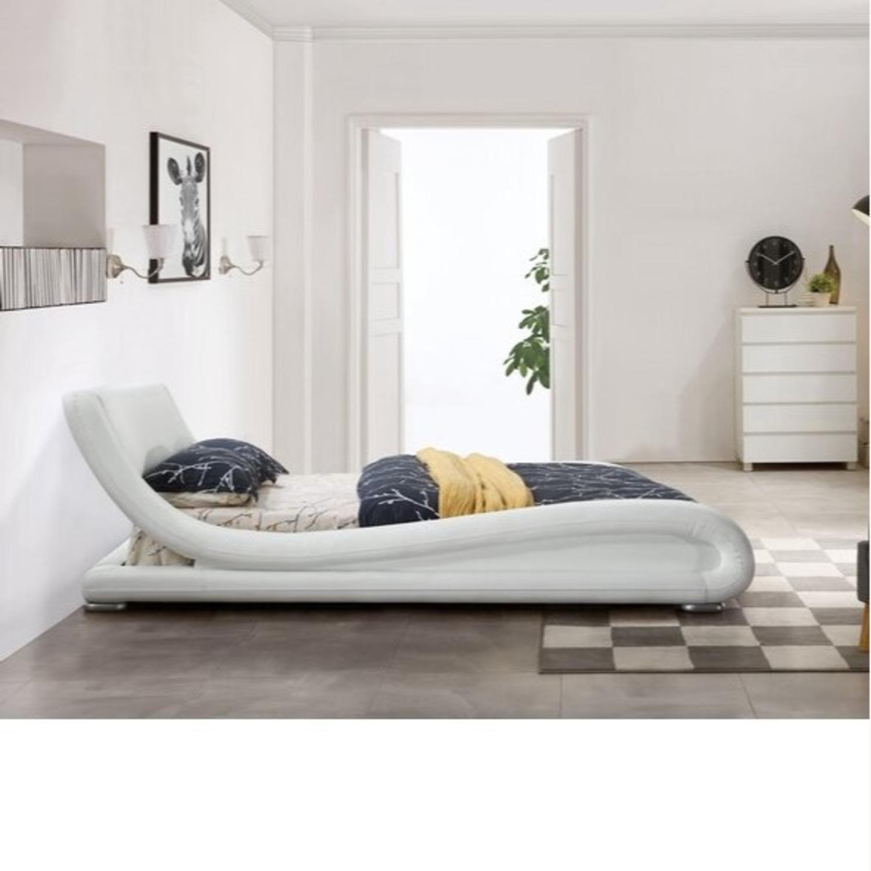 Wade Logan Soothing Futuristic Platform Bed, White - image-2