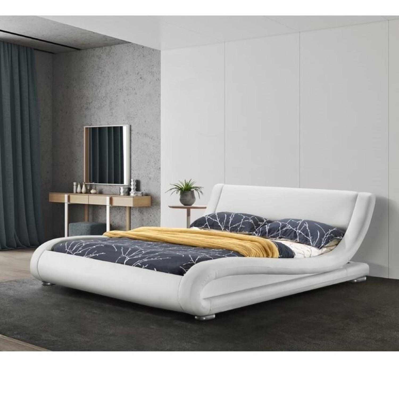 Wade Logan Soothing Futuristic Platform Bed, White - image-1