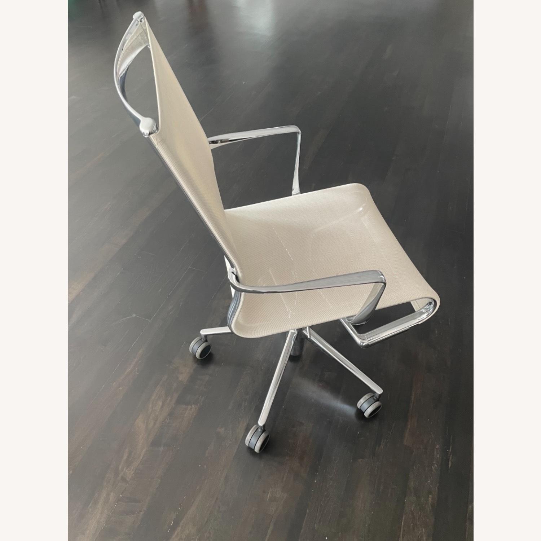 Moroso Alias Rolling Frame + Tilt 47 Chair - image-3