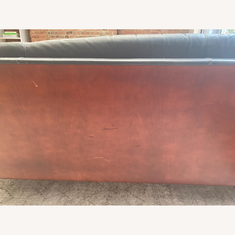 Herman Miller Goetz Couch - image-4