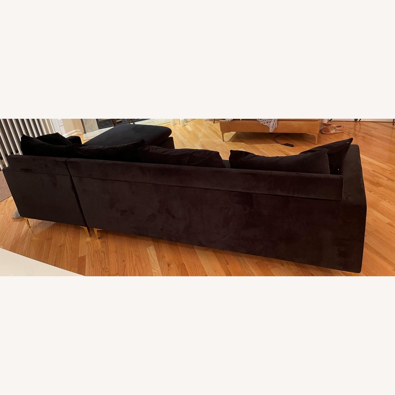 Mercers Furniture Modern Sectional - image-1