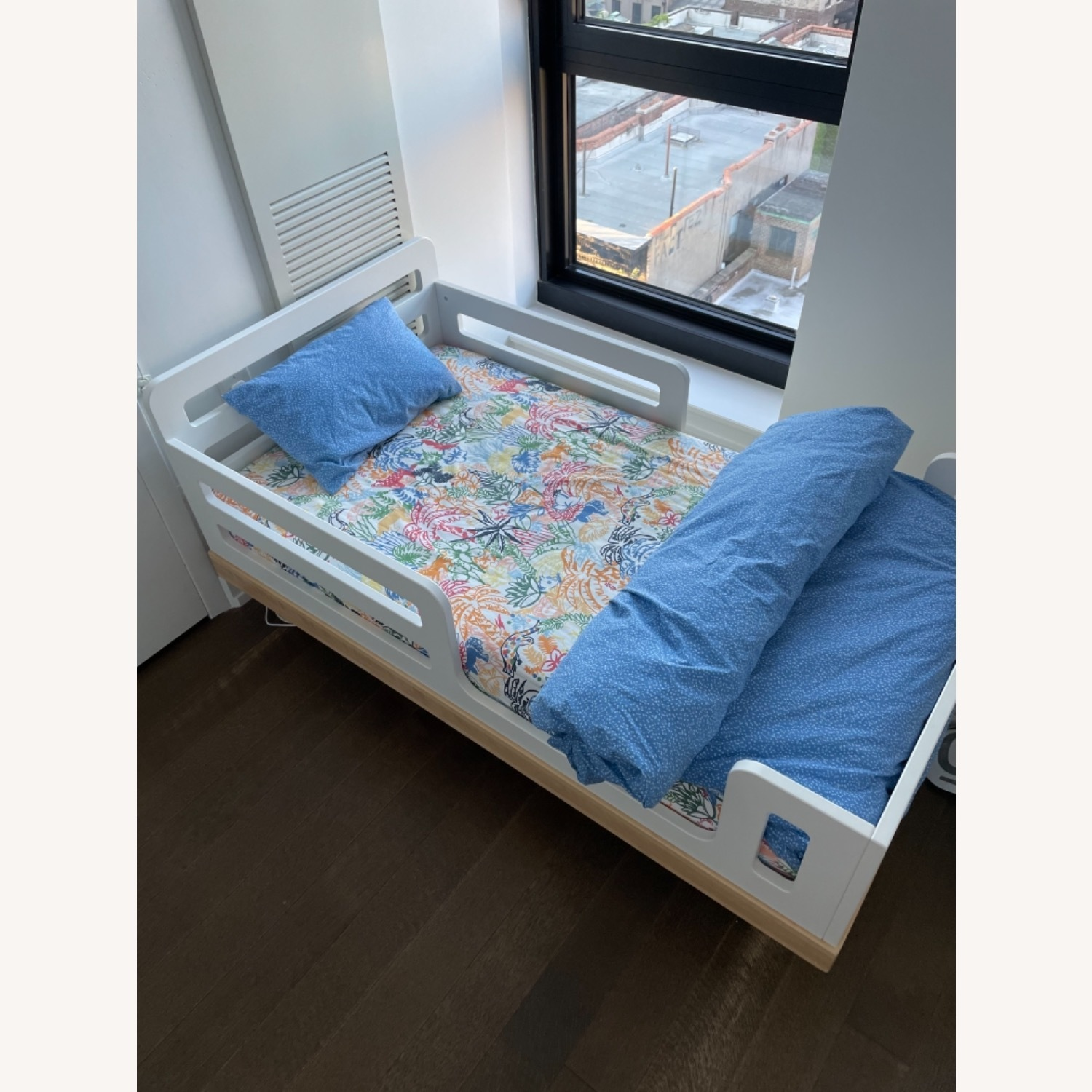 Oeuf Classic Toddler Bed - image-1