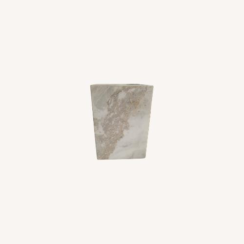 Used Williams Sonoma Marble Knife Block for sale on AptDeco