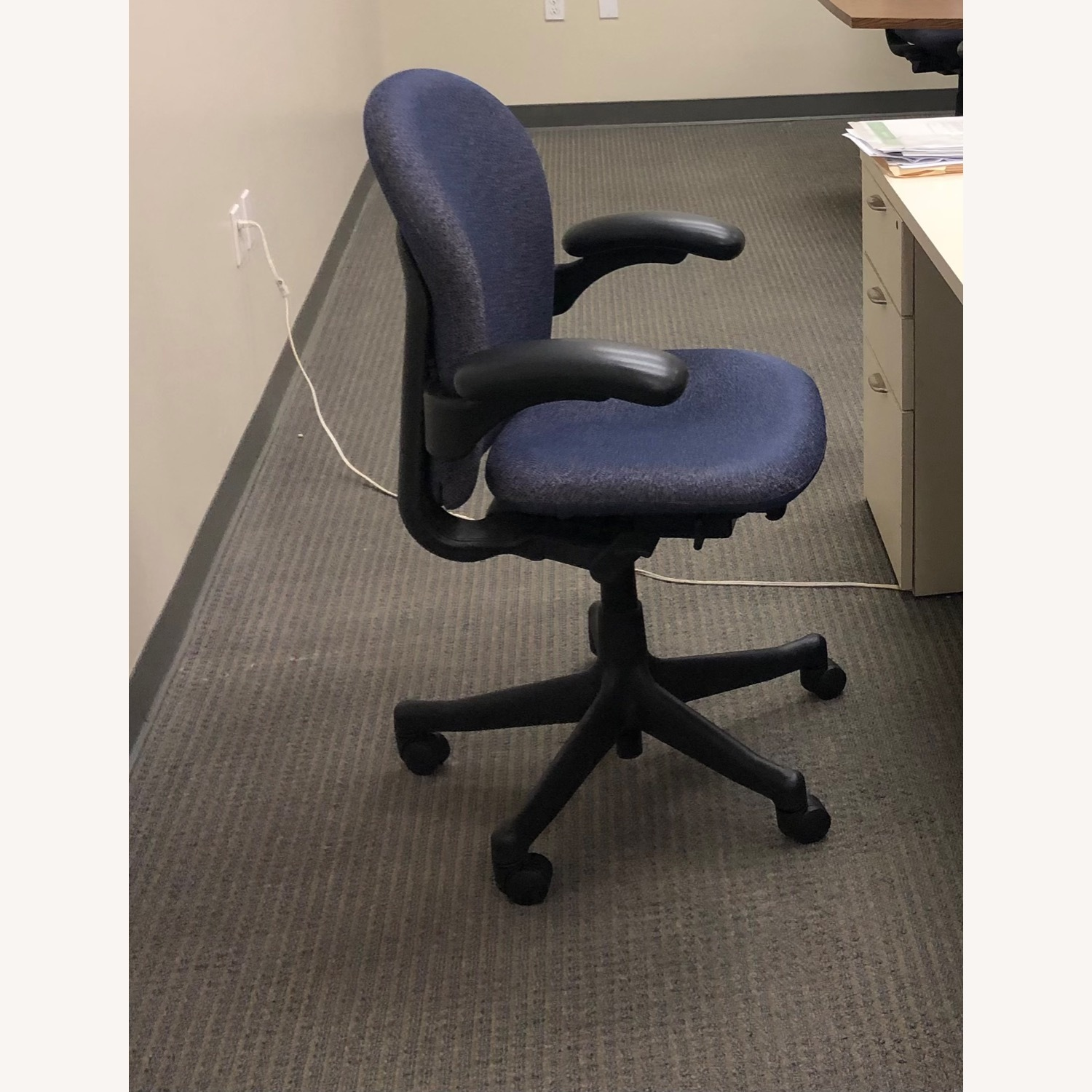 Herman Miller Chair Fixed Arm - image-3