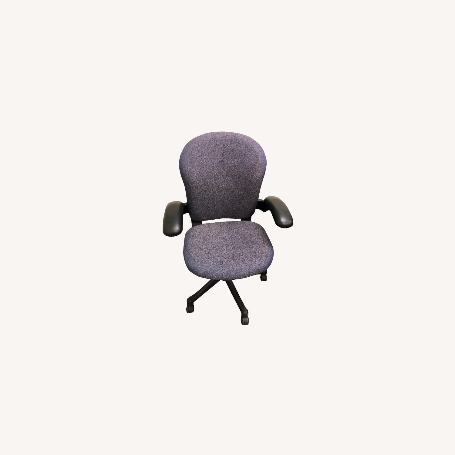 Herman Miller Chair Fixed Arm - image-0