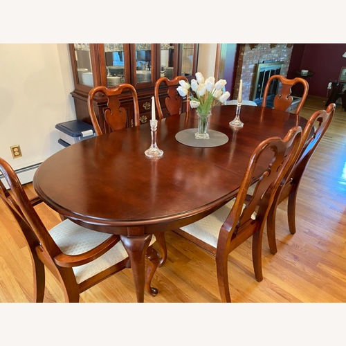 Used American Drew Dining Table Set for sale on AptDeco