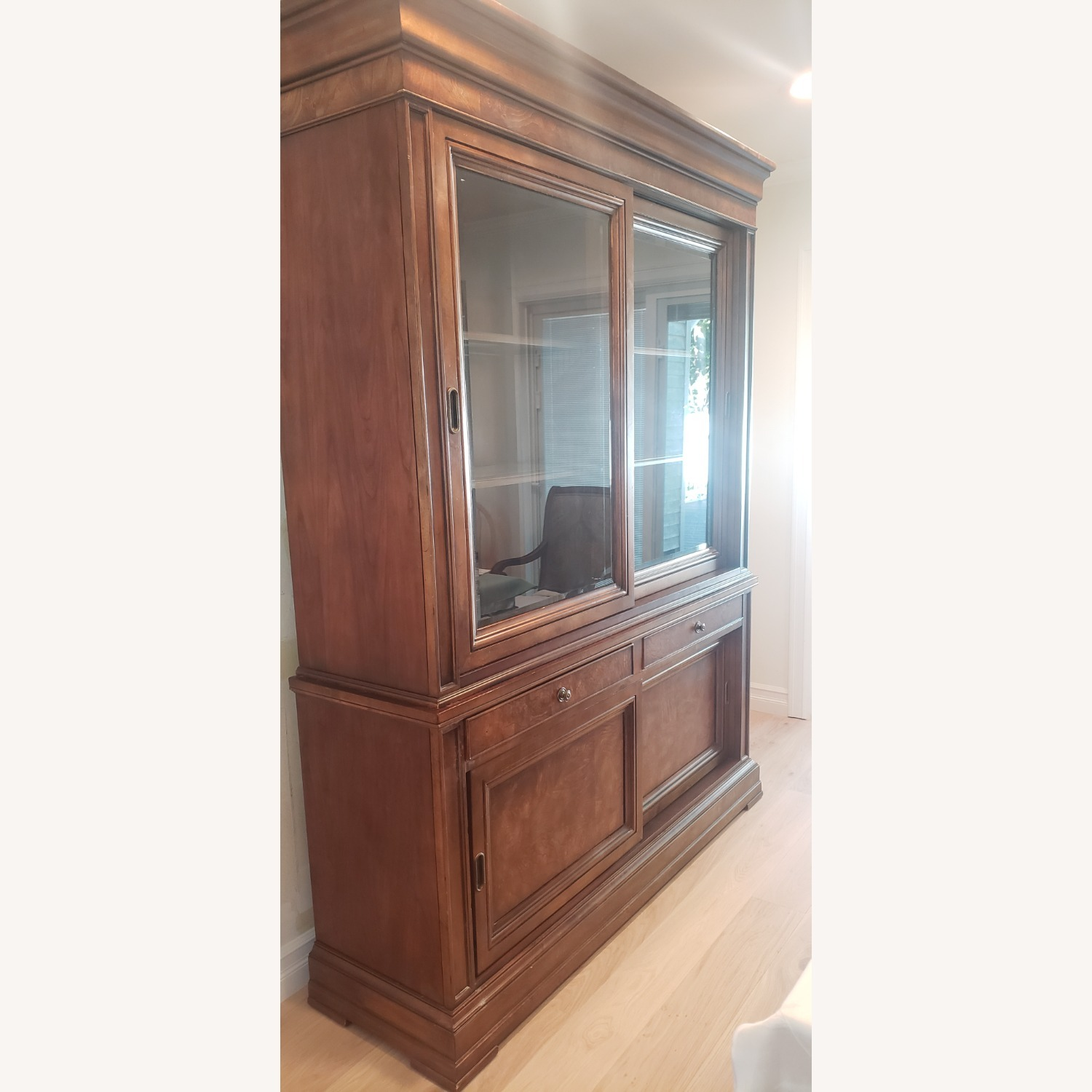 Ethan Allen Townhouse China Cabinet - image-2