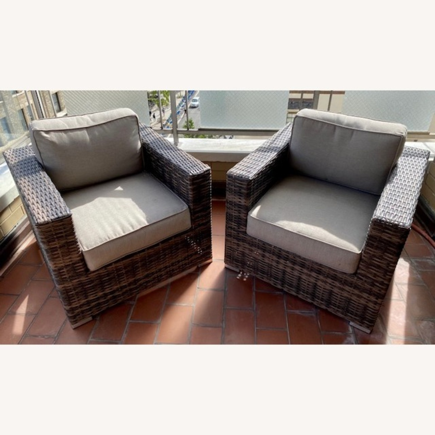 Modern Outdoor Lounge Chairs - image-0