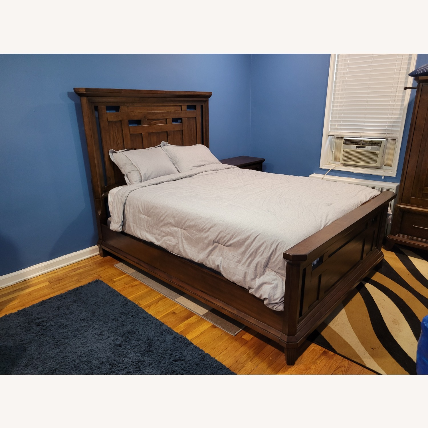 Queen Bed Frame, Brown - image-0