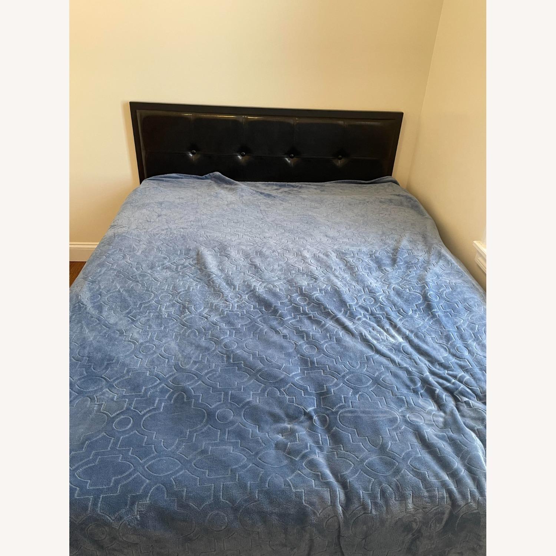 Zinus Cherie Faux Leather Metal Platform Bed Frame - image-6
