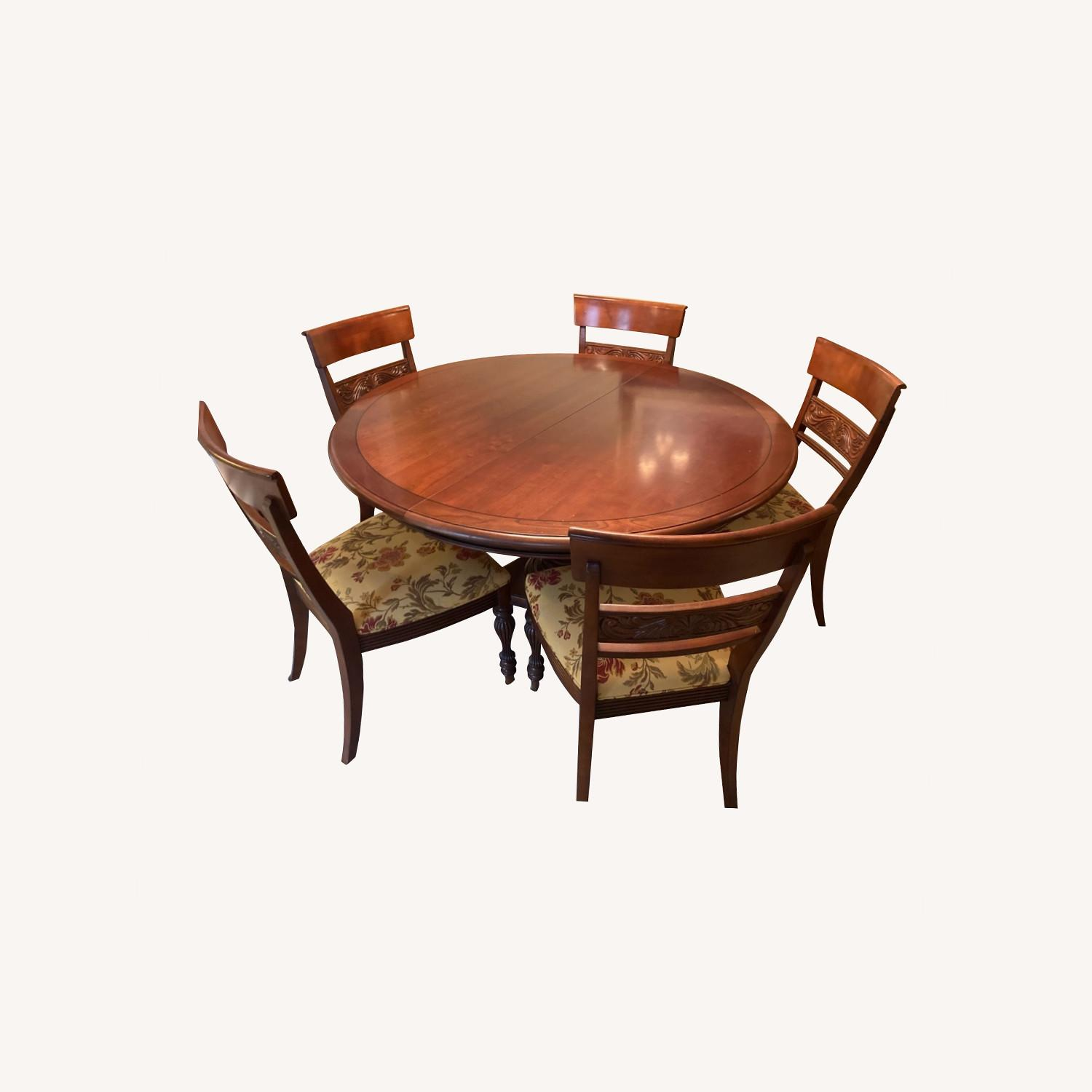 Ethan Allen Dining Room Table With 5 Chairs - image-0
