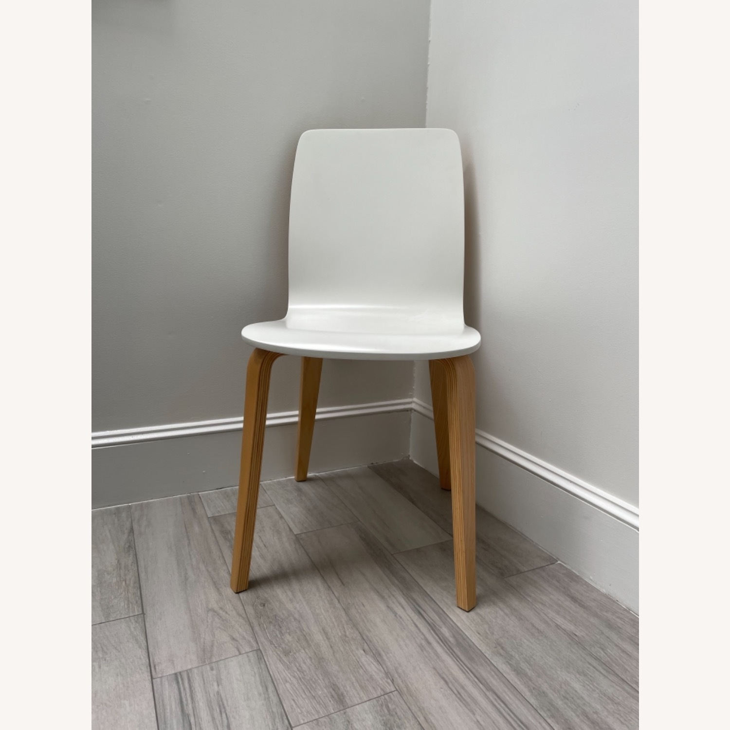 Anthropologie White Tamsin Dining Chairs (4) - image-1
