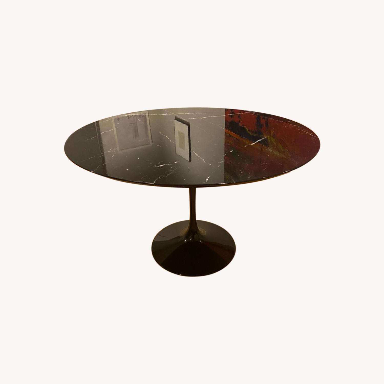 Eero Saarinen 47r Dining Table in Black Marble - image-0