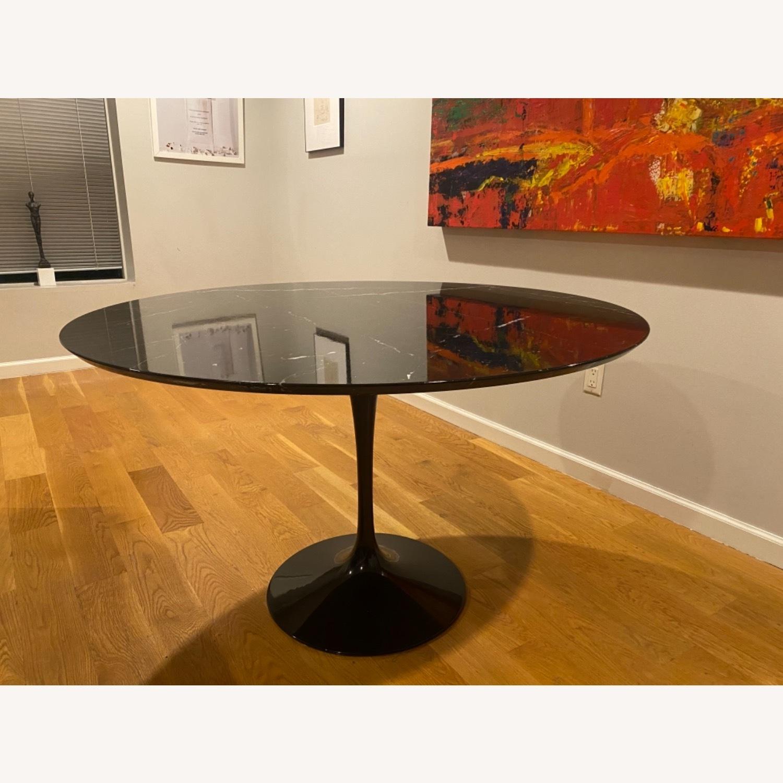 Eero Saarinen 47r Dining Table in Black Marble - image-3