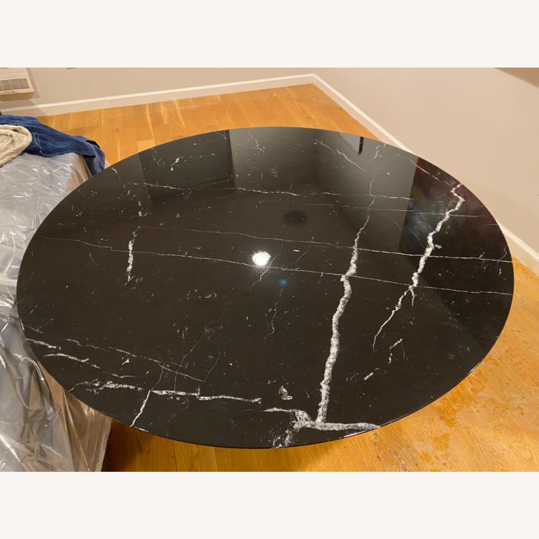 Eero Saarinen 47r Dining Table in Black Marble - image-2